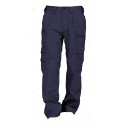 Pantalón cargo, en gabardina al 100% algodón. Reforzado